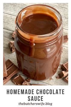 Homemade Chocolate sauce is smooth, creamy and down right dreamy! It will fix those chocolate cravings and leave you wanting more! Chocolate Sauce For Cake, Homemade Chocolate Sauce, Chocolate Sauce Recipes, Chocolate Dipping Sauce, Homemade Sauce, Chocolate Ganache, Scones Ingredients, Delicious Desserts, Gourmet Desserts