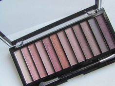 {Review} Makeup Revolution Iconic 3 Palette - Beauty Candy Loves