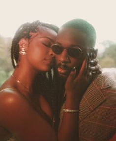 Find images and videos about love, couple and black love on We Heart It - the app to get lost in what you love. Black Love Couples, Cute Couples Goals, Couple Goals, Young Black Couples, Photo Couple, Couple Shoot, Beautiful Couple, Black Is Beautiful, Couple Noir