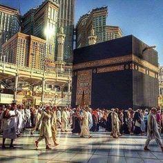 Assalamualaikum wr wb Allah berfirman di dalam Al-Quran surat Al- Maidah ayat 97 - 98 : Allah telah menjadikan Ka'bah rumah suci tempat manusia berkumpul. Demikian pula bulan haram, hadyu dan Qala'id. Yang demikian itu agar kamu mengetahui, bahwa Allah mengetahui apa yang di langit dan apa yang ada di bumi dan Allah Maha Mengetahui segala sesuatu. Ketahuilah bahwa Allah sangat keras siksaan-Nya dan bahwa Allah Maha Pengampun, Maha Penyayang.
