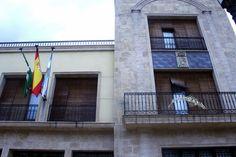 """#Jaén - Arroyo del Ojanco 38º 19' 18.14"""" -2º 53' 27.96"""" / Municipio situado en la Sierra de Segura, en Jaén.   Su término se ubica en el Parque Natural de Cazorla, Segura y Las Villas, en un terrero montañoso, de rica vegetación, con picos como """"Pedrizas"""" y """"Portazgo"""". Surcado por los ríos Guadalmena y Guadalimar, afluentes del Guadalquivir, y el arroyo que da nombre a la población.  La oliva de """"Fuentebuena"""" es un olivo milenario que se ha convertido en uno de los símbolos del municipio."""
