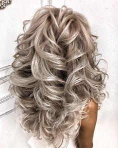 hair on Somegram Posts Videos & Stories Лок Balayage Blond, Blonde Hair, Medium Hair Styles, Curly Hair Styles, Great Hair, Hair Highlights, Hair Dos, Hair Hacks, Pretty Hairstyles