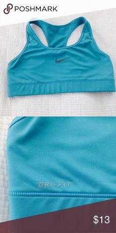 Nike sports bra Xs-s sports bra, like new. Inside label is missing or rubbed off. Nike Intimates & Sleepwear