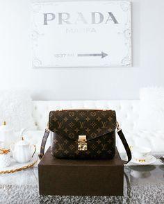 Louis Vuitton Pochette Métis - Nina Schwichtenberg verrät euch in ihrem Trendreport, welche Louis Vuitton Monogram Bags wieder voll im Trend liegen. Mehr auf www.fashiioncarpet.com