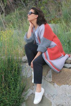 Crochet Cardigan, Knit Dress, Sweater Cardigan, Knit Crochet, Knit Fashion, Hijab Fashion, Boho Outfits, Trendy Outfits, Vintage Couture