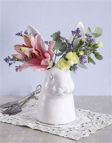 gifts: Mixed Flowers in Hopping Ceramic Vase! Pink Happy Birthday, Happy Birthday Candles, Happy Birthday Balloons, Lucky To Have You, Owl Always Love You, Womens Day Gift Ideas, Elizabeth Arden Red Door, Star Candle, Easter Flowers