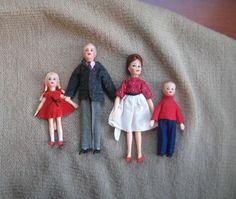 Princess Doll House, My Doll House, Doll Houses, Doll Clothes Patterns, Doll Patterns, Clothing Patterns, 60s Toys, Doll Toys, Dolls