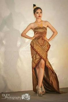 Lao couture sinh http://viaggi.asiatica.com/