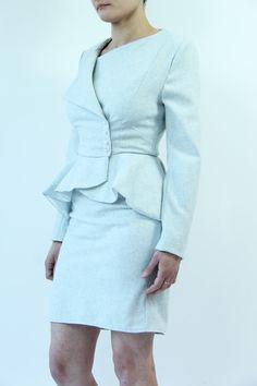 Tailleur jupe femme bleu veste à basque : Tailleur par dagmara-joly