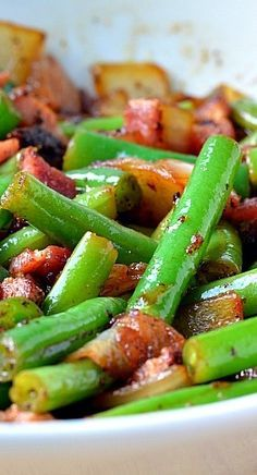 """BACON & ONION GREEN BEANS RECIPE ==INGREDIENTS== (Serves: 4) 1 lb. green beans, 4 slices of thick cut pepper bacon, 1 c onion, chopped into ½"""" pieces, 2 t sugar, ½ t fresh thyme, 1½ T apple cider vinegar, 1 t salt, ½ t pepper===="""