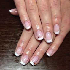 Белый шеллак френч с красными стразами ::: onelady.ru ::: #nail #nails #nailart #manicure