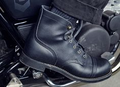 RED WING HERITAGE X WRENCHMONKEES - F/W 2015 - IRON RANGER • Guillotine Red Wing Shoes, Red Wing Boots Men, Red Wing Heritage Boots, Bike Boots, Motorcycle Boots, Bottes Red Wing, Black Queen, Red Wing Iron Ranger, Gentleman Shoes