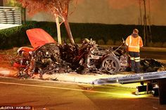 Paul Walker Dies in Violent Car Accident! Fast & Furious Series Star Killed in Terrible Accident in Los Angeles Car Crash - Find Beauty Tips & Tricks For Woman and Learn Health Issues Actor Paul Walker, Paul Walker Mort, Paul Walker Crash, Paul Walker Dead, Paul Walker Accident, Cody Walker, Fast And Furious, Fast Furious Series, Porsche Gt