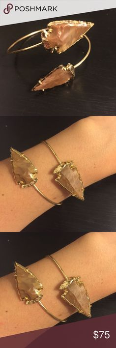 Dara Ettinger Jemma Arrowhead Cuff Anthropologie Agate arrowheads edged with 14k gold, handmade in the US. One of a kind because every stone is different, so no two bracelets were the same. Very sturdy, but adjustable, so can be worn by anyone. Like new. Bundle and save! Anthropologie Jewelry Bracelets