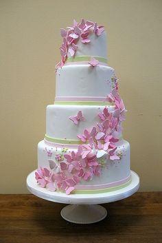 25 Awesome Wedding Cakes With Butterflies - Weddingomania