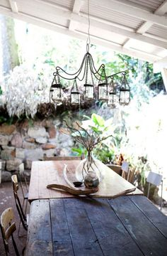 LOVE THE SIMPLICITY OF THIS TABLE SETTING, ESPECIALLY THE JAM JAR CHANDELIER.