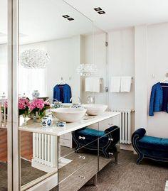 Sconce love// vanity, mirrored vanity www.livingpink.es   Patricia Bustos