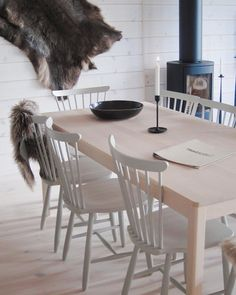 Home Decor Ideas - Amazing Design Small Cafe 2020 Dining Area, Dining Chairs, Dining Room, Dining Table, Villa, Home Goods, Kitchen Design, New Homes, Interior Design
