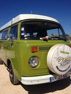 #Portugal: Road trip en famille et combi Volkswagen en #Algarve -  via Guide Evasion 13.05.2015   Le Portugal est une destination que nous apprécions énormément pour des vacances en famille. Nous y sommes allés plusieurs fois mais clairement, notre séjour le plus original et le plus mémorable a été notre semaine en combi Volkswagen à travers l'Algarve, une superbe région dans le sud-ouest du pays. Nos enfants avaient alors 2 ans et 4 ans.