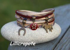 """Bracelet cordon tissu tartan soie suédine """" Cavalière """" _ breloque cheval fer à cheval _ beige bordeaux bronze : Bracelet par lillicrapote"""