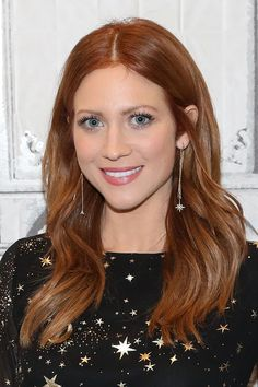 Cinnamon Hair Color It's amazing how effortlessly beautiful Brittany Snow looks with red hair, considering how long her signature shade was bright blonde. Just goes to show how universally flattering red can be! 30 Hair Color, Hair Color Shades, Hair Color Highlights, Hair Color Balayage, Chunky Highlights, Caramel Highlights, Auburn Balayage, Peekaboo Highlights, Haircolor