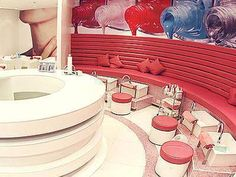 How cute is this nail spa?!