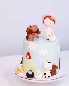 Cake Design, Birthday Cake, Desserts, Food, Decorating Cakes, Tailgate Desserts, Deserts, Birthday Cakes, Essen