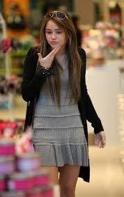 Miley Cyrus Brown Hair, Get The Look, Peplum, Tops, Women, Fashion, Clothing Styles, Moda, Fashion Styles