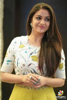 Indian Movie Taxiwala Actress Priyanka Jawalkar Long Legs Thighs Stills In Yellow Top - Tolly Boost Beautiful Bollywood Actress, Most Beautiful Indian Actress, Beautiful Actresses, South Actress, South Indian Actress, Indian Actress Photos, Indian Actresses, Young Actresses, Men's Fashion