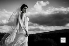 An afterwedding shoot in San Gimignano Italy. For more photos see https://selijn.nl/en/afterwedding-shoot-tuscany-san-gimignano-italy-jeffry-floor/