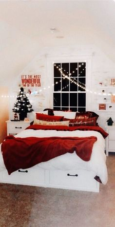 christmas bedroom VSCO - Too many repubs+ favs to count! Christmas Mood, Merry Little Christmas, Cheap Christmas, Christmas Quotes, Christmas Ideas, Christmas Wreaths, My New Room, My Room, Christmas Aesthetic