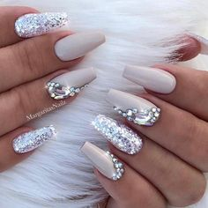 White Coffin Nails, Cute Acrylic Nails, Glitter Nail Art, Acrylic Nail Designs, Cute Nails, Pretty Nails, Nail Art Designs, Blog Designs, Silver Nails