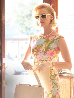c41-Betty_floral-dress-and-sunglasses.jpg (1203×1600)