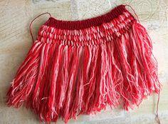 Lavette avec manche - Cercle de Fermières de Montréal-Nord Tie Dye Skirt, Boho Shorts, Knitted Hats, Knitting Patterns, Knit Crochet, Weaving, Tulle, Pierrette, Voici