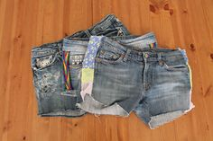 3 stylish ways to play with cutoffs. Distressing how to and a hack for jeans that are too tight.