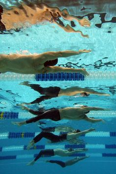 underwater reflections Peirsol, Lochte, Thoman, Schirk, and Chitwood swim in the final of the 200 Backstroke.