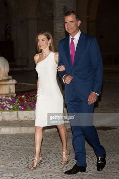King Felipe VI of Spain and Queen Letizia of Spain attend a official reception at the Almudaina Palace on August 7, 2014 in Palma de Mallorca, Spain.  (Photo by Carlos R. Alvarez/WireImage)
