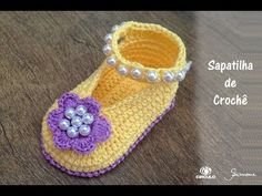 Crochet Baby Slippers With Pearls - ilove-crochet
