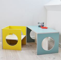 small-design KUBE sunny yellow and dusty blue