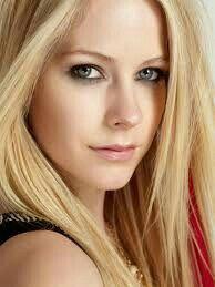 Avril lavigne. Singer & Songwriter ❤