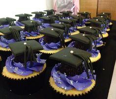 Grad Cap cupcakes.