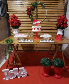 Noivado simples: como organizar um evento especial e inesquecível Valentines Day Party, Valentines Day Decorations, Diy Valentine, Ideas Aniversario, Boys First Birthday Party Ideas, Valentine's Day Diy, Diy For Teens, Diy Wreath, Holidays And Events