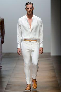 One word to describe Daks' spring-summer 2016 menswear collection is sleek. Fashion Week, Boy Fashion, Mens Fashion, Fashion Outfits, Fashion Design, Milan Fashion, Masculine Style, Casual Elegance, White Fashion