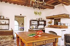 18th-century farmhouse in Tuscany, remodeled by architect Peter Kurt Woerner