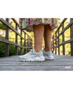 sports shoes 73e50 12cb6 Chaussure Nike Wmns Air Huarache Run Prm Pure Platinum Pure Platinum White