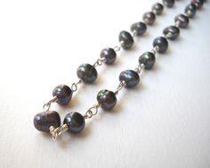 Dark Peacock Pearl Necklace Beaded Necklace by VeronicaRussekJoyas