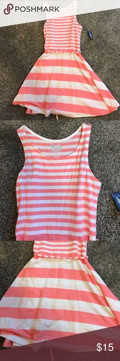 Old navy white and coral striped swing dress s 6/7 Little girls light weight striped dress with string belt new with tags size small 6/7 Old Navy Dresses Casual