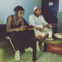 Asap Rocky and Wiz Khalifa Mode Hip Hop, Hip Hop Rap, Grunge Outfits, Asap Rocky Fashion, Mundo Hippie, Lord Pretty Flacko, A$ap Rocky, Don Juan, Photocollage