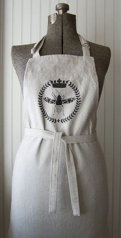 ≗ The Bee's Reverie ≗ Queen Bee Apron from Home Spun Style on Etsy