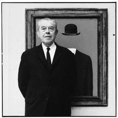 """Travel Notes: René Magritte Oggi il mondo dell'arte ricorda la nascita di  René Magritte, il genio surrealista che dipingeva i sogni.  """"Uno studioso al microscopio vede molto più di noi. Ma c'è un momento, un punto, in cui anch'egli deve fermarsi. Ebbene, è a quel punto che per me comincia la poesia.""""  https://www.facebook.com/permalink.php?story_fbid=724695694319544&id=317441628378288"""